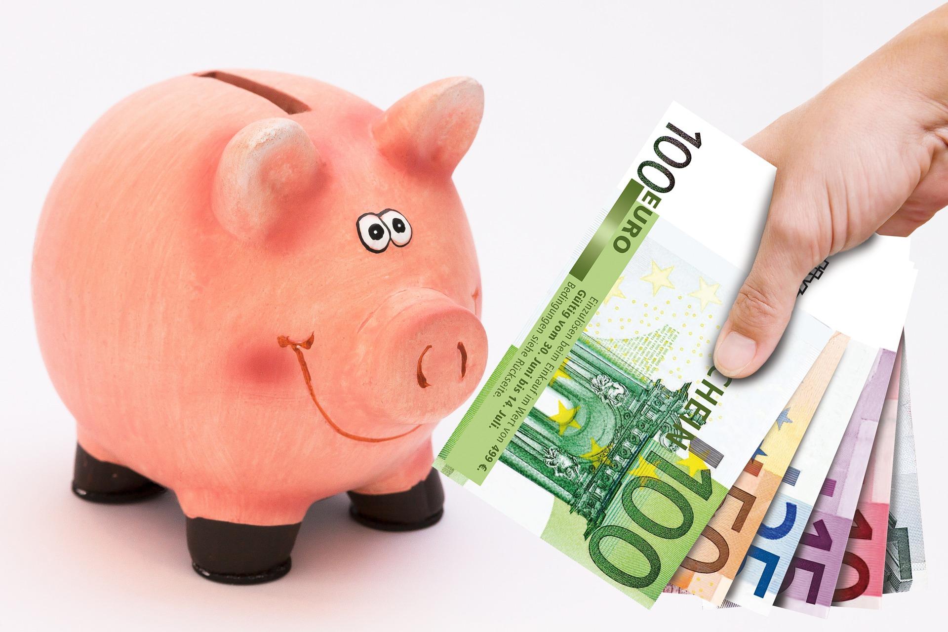 piggy-bank-1047215_1920